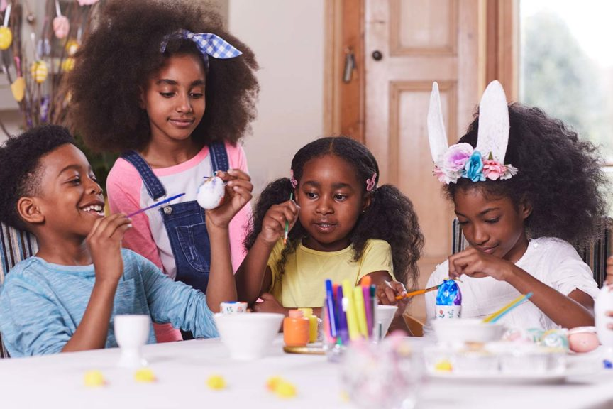 kids decorating easter eggs craft