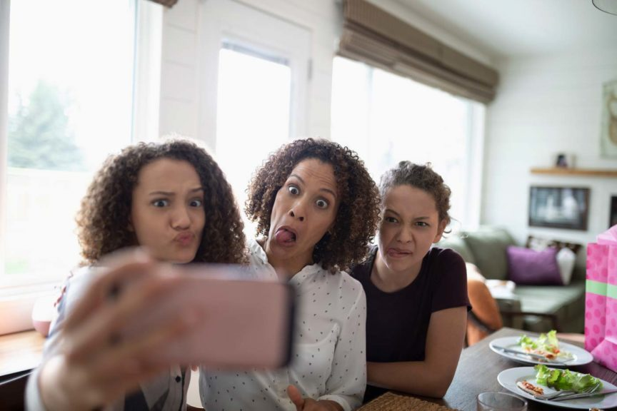 mother-daughters-selfie-silly-faces