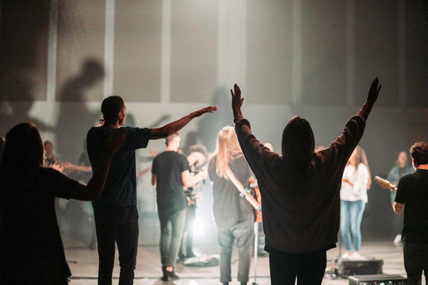 worship-service-6ft-warehosue